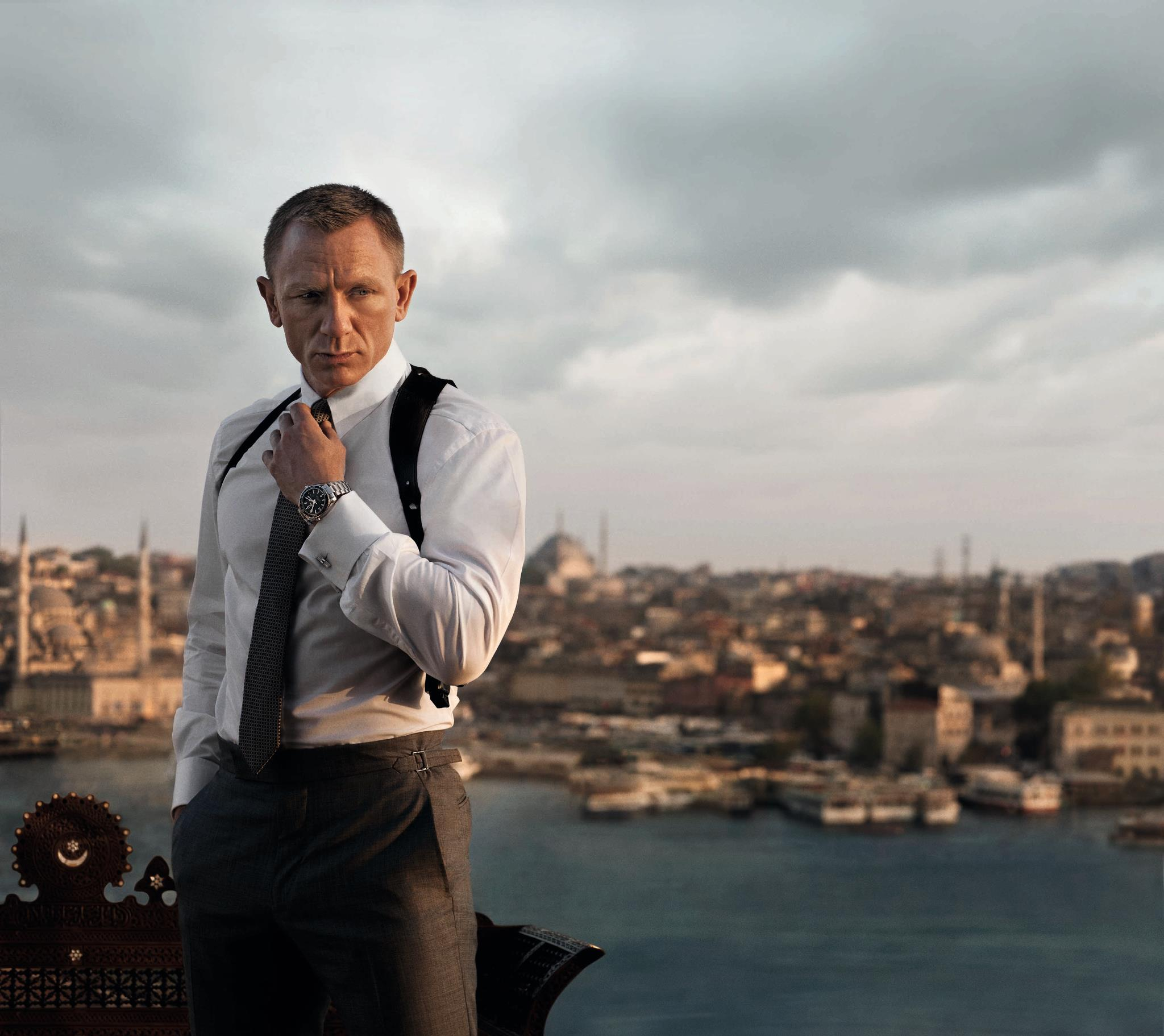what watch does daniel craig wear as james bond in skyfall celebrity watches. Black Bedroom Furniture Sets. Home Design Ideas